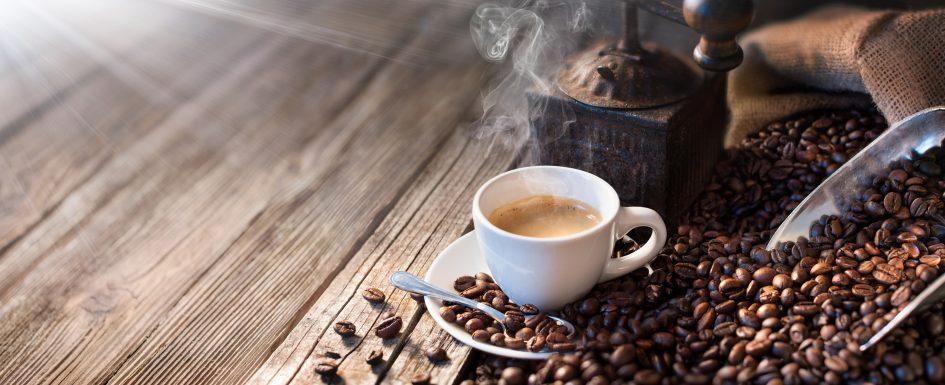 Guter Kaffee fängt mit einer gut gewarteten und reparierten Kaffeemaschine an